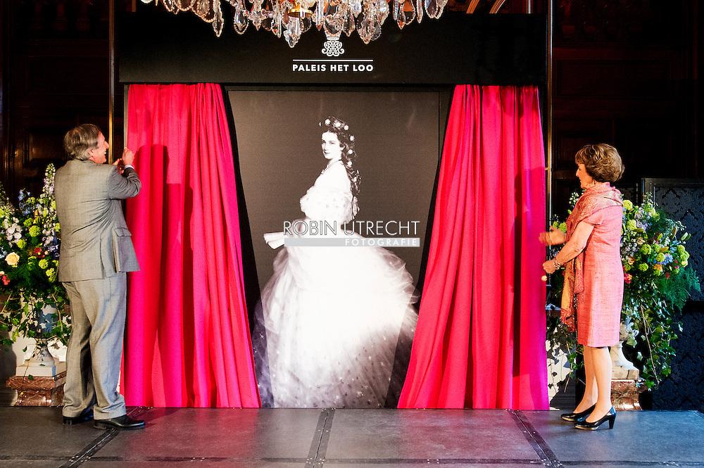APELDOORN - Princess Margriet performed opening exhibition &quot;Sisi, fairy tale and reality 'Het Loo Palace on Thursday, April 9th visit Het Loo Palace in Apeldoorn, the opening of the exhibition&quot; Sisi, fairy tale and reality &quot;plaats.Hare Royal Highness Princess Margriet of the Netherlands opens the exhibition and look at this first. They will be accompanied by Archduke Michael von Habsburg-Lothringen, the grandson of Empress Elisabeth. Empress Elisabeth is well known by her nickname Sisi with Pia Douwes COPYRIGHT ROBIN UTRECHT <br /> <br /> APELDOORN - Prinses Margriet verricht opening tentoonstelling &lsquo;Sisi, sprookje &amp; werkelijkheid&rsquo; te Paleis Het Loo Op donderdag 9 april vindt op Paleis Het Loo in Apeldoorn de opening van de tentoonstelling &lsquo;Sisi, sprookje &amp; werkelijkheid&rsquo; plaats.Hare Koninklijke Hoogheid Prinses Margriet der Nederlanden opent de tentoonstelling en bekijkt deze als eerste. Zij wordt hierbij vergezeld door Aartshertog Michael von Habsburg-Lothringen, de achterkleinzoon van Keizerin Elisabeth. Keizerin Elisabeth is algemeen bekend onder haar bijnaam Sisi met Pia Douwes: Ik begreep Sissi steeds meer . COPYRIGHT ROBIN UTRECHT