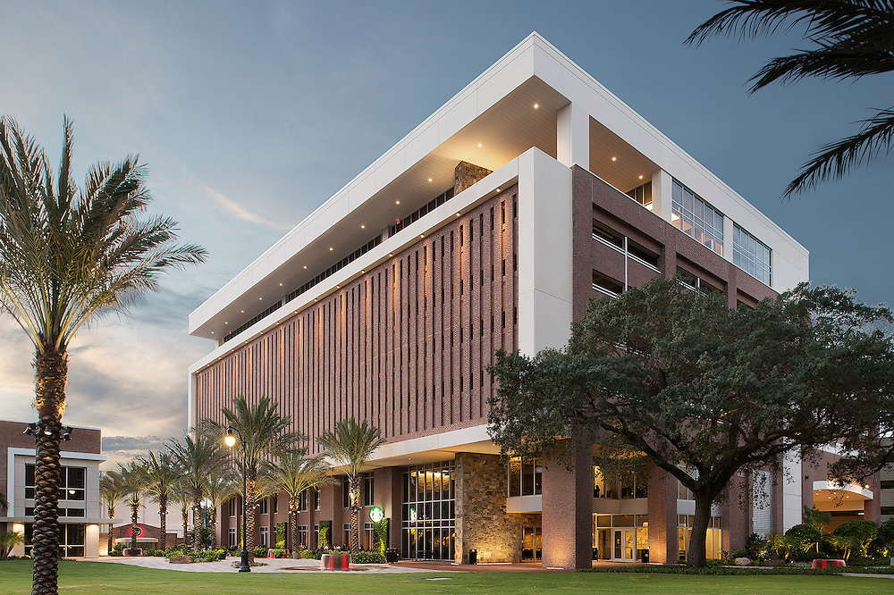The University of Tampa's Innovation and Collaboration Building was a massive undertaking on behalf of the architect, the builder, contractors and the university itself. When it was complete, we captured it in its entirety.