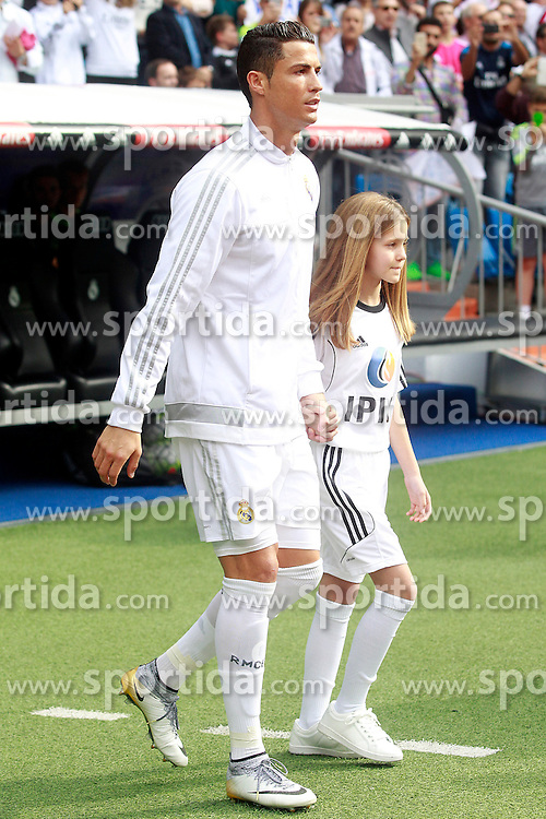 17.10.2015, Estadio Santiago Bernabeu, Madrid, ESP, Primera Division, Real Madrid vs Levante UD, 8. Runde, im Bild Real Madrid's Cristiano Ronaldo // during the Spanish Primera Division 8th round match between Real Madrid and Levante UD at the Estadio Santiago Bernabeu in Madrid, Spain on 2015/10/17. EXPA Pictures &copy; 2015, PhotoCredit: EXPA/ Alterphotos/ Acero<br /> <br /> *****ATTENTION - OUT of ESP, SUI*****