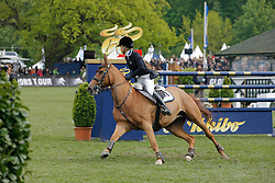 Alexander Edwina (AUS) - Itot du Chateau<br /> Global Champions Tour von Deutschland<br /> Derby of Hamburg 2010<br /> © Dirk Caremans