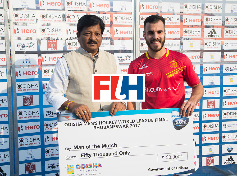 BHUBANESWAR - The Odisha Men's Hockey World League Final . Match ID 04. Netherlands v Spain (2-3).  player of the match, Ricardo Santana (Esp). WORLDSPORTPICS COPYRIGHT  KOEN SUYK