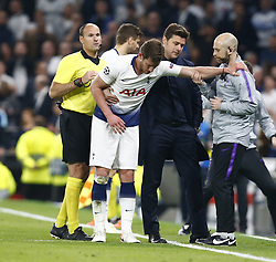 April 30, 2019 - London, England, United Kingdom - Tottenham Hotspur's Jan Vertonghen picks up a injury.during UEFA Championship League Semi- Final 1st Leg between Tottenham Hotspur  and Ajax at Tottenham Hotspur Stadium , London, UK on 30 Apr 2019. (Credit Image: © Action Foto Sport/NurPhoto via ZUMA Press)
