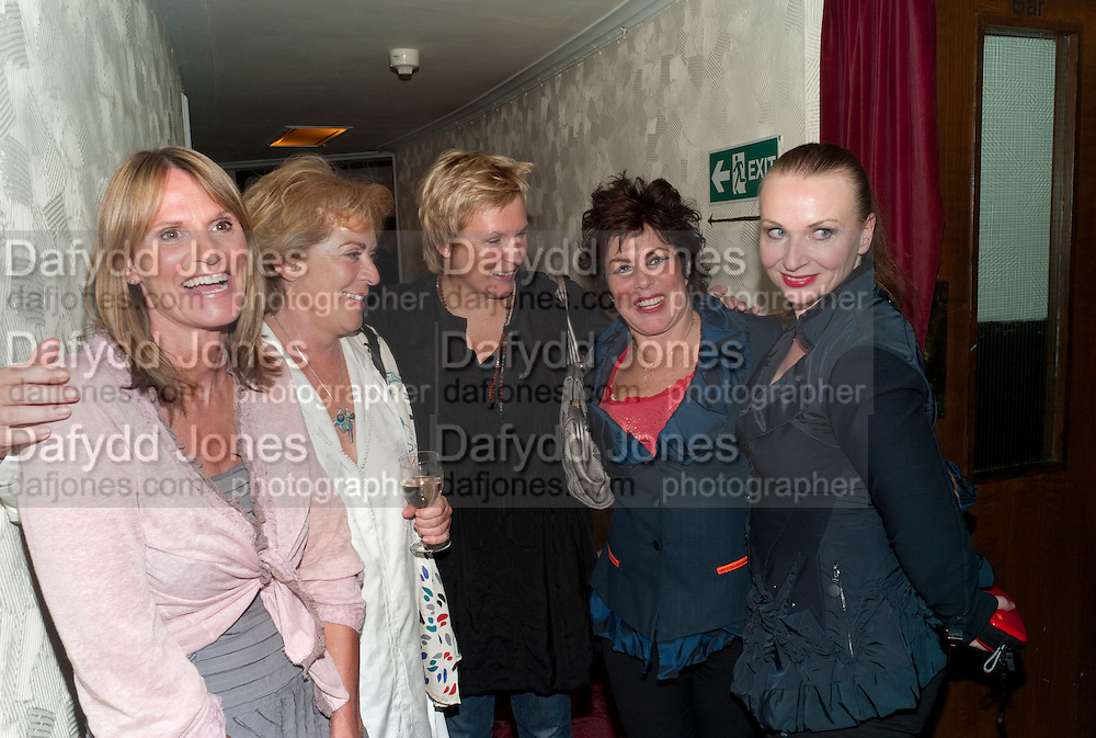 GWYNETH STRONG; SUZANNE BERTISH;  JENNIFER SAUNDERS; RUBY WAX,; JUDITH OWEN; Press night for Ruby Wax- Losing it. Duchess theatre. London. 1 September 2011. <br /> <br />  , -DO NOT ARCHIVE-© Copyright Photograph by Dafydd Jones. 248 Clapham Rd. London SW9 0PZ. Tel 0207 820 0771. www.dafjones.com.