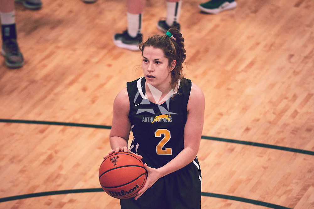 4th year guard, Michaela Kleisinger (2) of the Regina Cougars during the Women's Basketball Home Game on Sat Feb 02 at Centre for Kinesiology,Health and Sport. Credit: Arthur Ward/Arthur Images