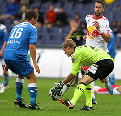 18.09.2011, Red Bull Arena, Salzburg, AUT, 1.FBL, Red Bull Salzburg vs SC Wiener Neustadt, im Bild Andreas Schicker, (SC Wiener Neustadt, #16), Joerg Siebenhandl, (SC Wiener Neustadt, #27) und Stefan Maierhofer, (Red Bull Salzburg, #9), EXPA Pictures © 2011, PhotoCredit: EXPA/ R. Hackl