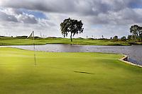 AMSTERDAM -Schiphol - Hole 3 van The International golfbaan van BurgGolf, COPYRIGHT KOEN SUYK