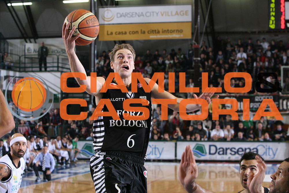 DESCRIZIONE : Ferrara Lega A 2009-10 Basket Carife Ferrara Virtus Bologna<br /> GIOCATORE : Petteri Koponen<br /> SQUADRA : Virtus Bologna<br /> EVENTO : Campionato Lega A 2009-2010<br /> GARA : Carife Ferrara Virtus Bologna<br /> DATA : 06/12/2009<br /> CATEGORIA : Tiro<br /> SPORT : Pallacanestro<br /> AUTORE : Agenzia Ciamillo-Castoria/G.Contessa<br /> Fotonotizia : Ferrara Campionato Italiano Lega A 2009-2010 Carife Ferrara Virtus Bologna<br /> Predefinita :