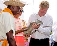 16-11-2013 BONAIRE – Kralendijk -  Dutch King Willem Alexander en Queen Maxima at Bonaire . They will visit all the 6 Dutch Islands the next 10 days . The royal couple will visit the Caribbean . COPYRIGHT ROBIN UTRECHT