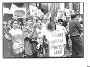 Pro-choice demonstation outside ubartian clinic Manhatten june '92© Copyright Photograph by Dafydd Jones 66 Stockwell Park Rd. London SW9 0DA Tel 020 7733 0108 www.dafjones.com