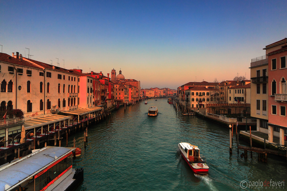 A view at sunset of the Grand Canal as seen from the Railways Station bridge (ponte della Ferrovia).
