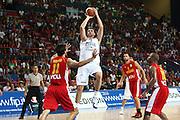 DESCRIZIONE : Bari Qualificazioni Europei 2011 Italia Montenegro<br /> GIOCATORE : Andrea Bargnani<br /> SQUADRA : Nazionale Italia Uomini <br /> EVENTO : Qualificazioni Europei 2011<br /> GARA : Italia Montenegro<br /> DATA : 26/08/2010 <br /> CATEGORIA : tiro<br /> SPORT : Pallacanestro <br /> AUTORE : Agenzia Ciamillo-Castoria/C.De Massis<br /> Galleria : Fip Nazionali 2010 <br /> Fotonotizia : Bari Qualificazioni Europei 2011 Italia Montenegro<br /> Predefinita :