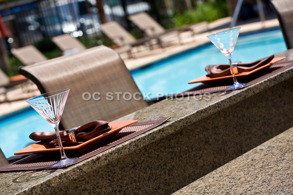 Outdoor Dining At The Pool