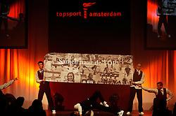 13-12-2010 ALGEMEEN: TOPSPORT GALA AMSTERDAM: AMSTERDAM<br /> In de Westergasfabriek werd het gala van de beste sportman, -vrouw, coach en ploeg gekozen / Entertainment<br /> ©2010-WWW.FOTOHOOGENDOORN.NL