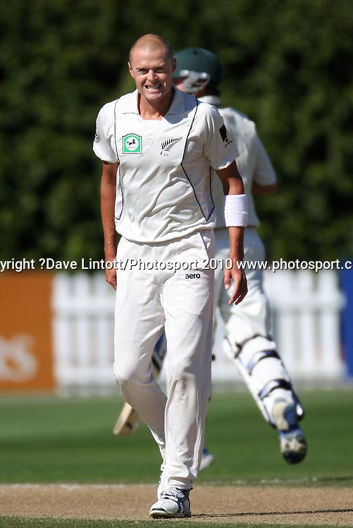 NZ bowler Chris Martin.<br /> 1st cricket test match - New Zealand Black Caps v Australia, day two at the Basin Reserve, Wellington.Saturday, 20 March 2010. Photo: Dave Lintott/PHOTOSPORT