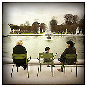 10-4-11 --- A scene by a fountain in Jardin des Tuileries, Paris.