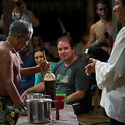 festa yawanawa ceremonia com bebida sacrada con o senador Jorge Viana e o Tião Viana Governador do Estado do Acre e sua esposa Marlúcia.