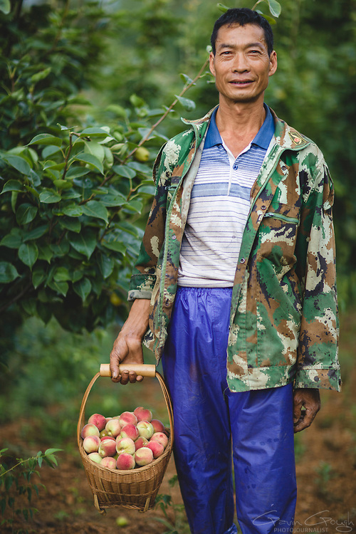 Xiong's leg was badly injured in an industrial accident at a factory. Support from the local Disabled Persons' Federation has allowed him to retrain as a farmer and provided the skills required to manage an orchard on his farm. Persons' Federation has allowed him to retrain as a farmer and provided the skills required to manage an orchard on his farm.