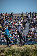 2018 Youth Olympic Games<br /> Buenos Aires, Argentina<br /> Mixed BMX - Race<br /> Motos<br /> CALKIN Cailen (NZL)<br /> RAMIREZ Juan (COL)