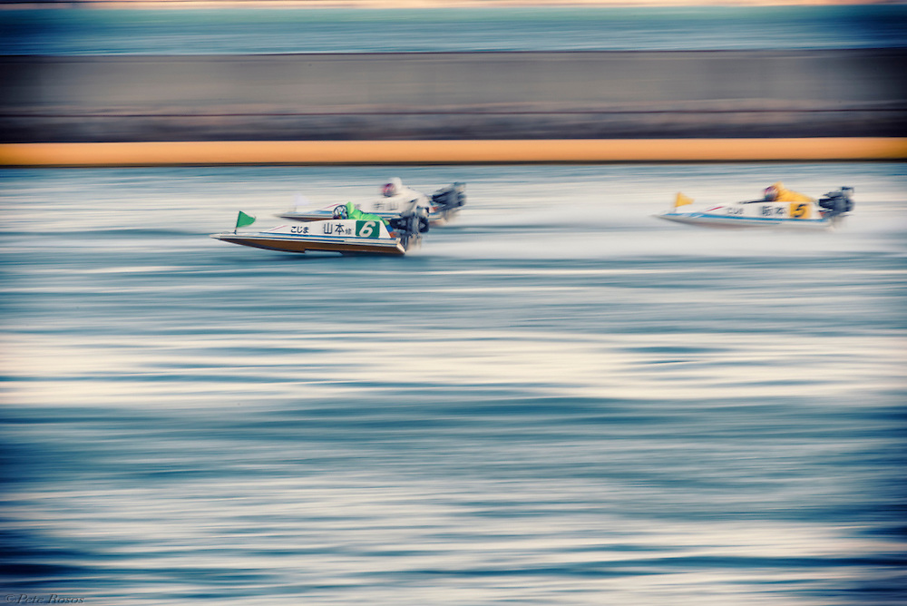 A look at the boat racing culture of Kojima, Japan. Click here (https://www.lensculture.com/peter-rosos?modal=true&modal_type=project&modal_project_id=82692) for the full story.