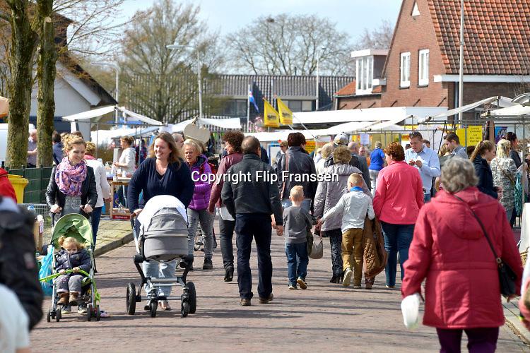 Nederland, Angeren, 3-4-2016Braderie in het dorpFOTO: FLIP FRANSSEN