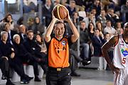 DESCRIZIONE : Roma Campionato Lega A 2013-14 Acea Virtus Roma EA7 Emporio Armani Milano <br /> GIOCATORE : Arbitro<br /> CATEGORIA : Arbitro Esultanza<br /> SQUADRA : Arbitro<br /> EVENTO : Campionato Lega A 2013-2014<br /> GARA : Acea Virtus Roma EA7 Emporio Armani Milano <br /> DATA : 02/12/2013<br /> SPORT : Pallacanestro<br /> AUTORE : Agenzia Ciamillo-Castoria/GiulioCiamillo<br /> Galleria : Lega Basket A 2013-2014<br /> Fotonotizia : Roma Campionato Lega A 2013-14 Acea Virtus Roma EA7 Emporio Armani Milano <br /> Predefinita :