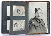 England - Soldiers pocket Family photo album, 1940s