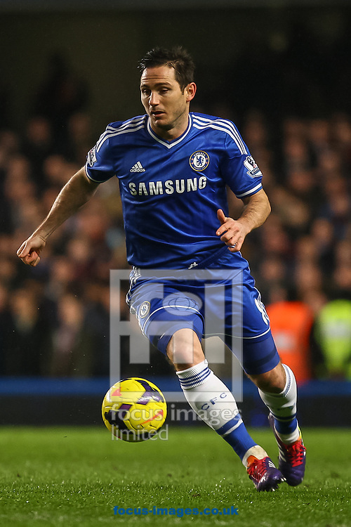 Picture by Daniel Chesterton/Focus Images Ltd +44 7966 018899<br /> 29/01/2014<br /> Frank Lampard of Chelsea on the ball during the Barclays Premier League match at Stamford Bridge, London.