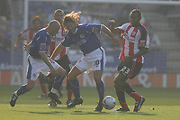 Photo: Pete Lorence.<br />Leicester City v Southampton. Coca Cola Championship. 14/10/2006.<br />Leicester's Andy Johnson battles through John Viafara (R).