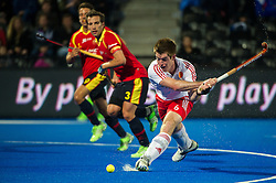England's Henry Weir shoots. England v Spain - Unibet EuroHockey Championships, Lee Valley Hockey & Tennis Centre, London, UK on 25 August 2015. Photo: Simon Parker