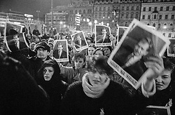 In front of the building of the Federal Assembly, Prague, 19 December 1989<br />