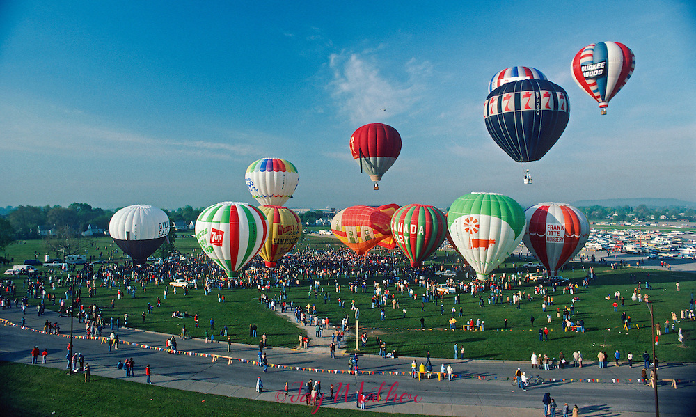 Balloons lift off from the Kentucky State Fairgrounds during the 1979 Kentucky Derby balloon race in Louisville, Kentucky.  April 28, 1979.