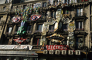 France. Paris. 1th district. artist building on Rivoli street    / facade immeuble díartistes rue de rivoli