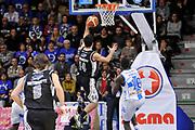 DESCRIZIONE : Campionato 2014/15 Dinamo Banco di Sardegna Sassari - Pasta Reggia Juve Caserta<br /> GIOCATORE : Claudio Tommasini<br /> CATEGORIA : Tiro Penetrazione Sottomano Controcampo<br /> SQUADRA : Pasta Reggia Juve Caserta<br /> EVENTO : LegaBasket Serie A Beko 2014/2015<br /> GARA : Dinamo Banco di Sardegna Sassari - Pasta Reggia Juve Caserta<br /> DATA : 29/12/2014<br /> SPORT : Pallacanestro <br /> AUTORE : Agenzia Ciamillo-Castoria / Luigi Canu<br /> Galleria : LegaBasket Serie A Beko 2014/2015<br /> Fotonotizia : Campionato 2014/15 Dinamo Banco di Sardegna Sassari - Pasta Reggia Juve Caserta<br /> Predefinita :