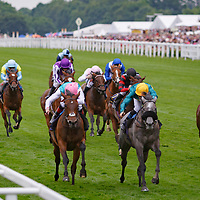 Coronet (O. Peslier) (yellow cap) wins The Ribblesdale Stakes Gr. 2, Royal Ascot 22/06/2017, photo: Zuzanna Lupa / Racingfotos.com