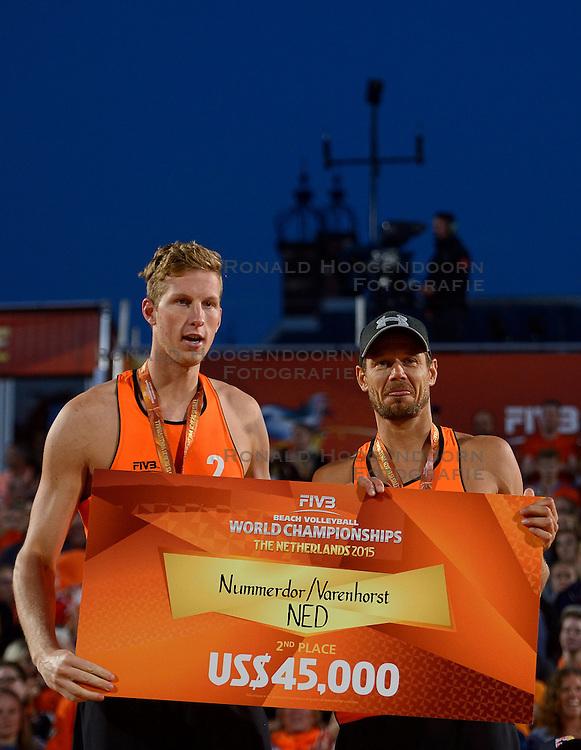 20150705 NED: WK Beachvolleybal day 10, Den Haag<br /> Zilver Christiaan Varenhorst #2, Reinder Nummerdor #1