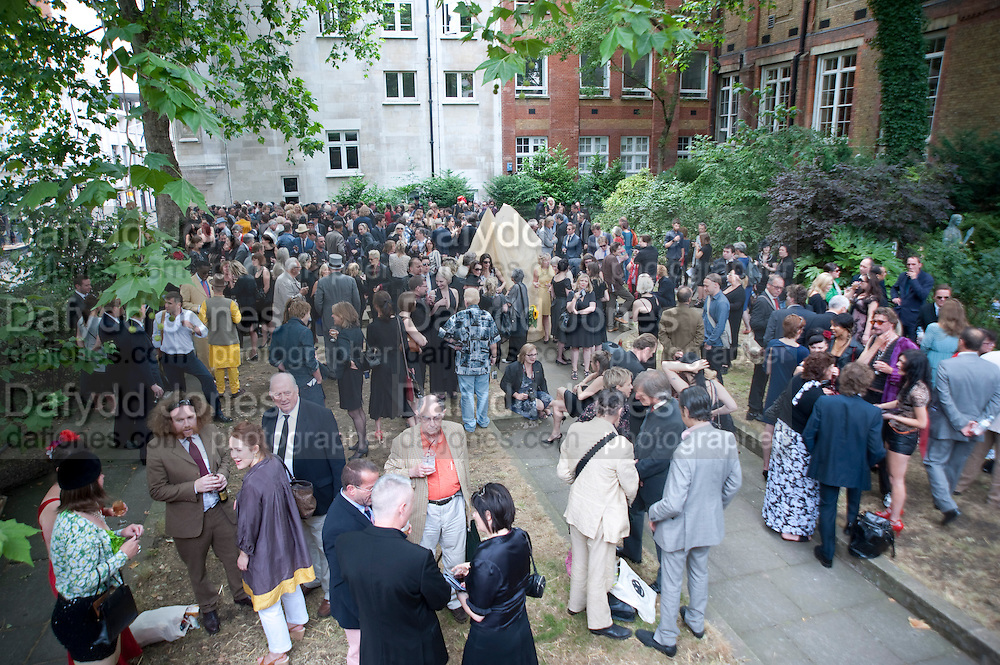 Sebastian Horsley funeral. St. James's church. St. James. London afterwards in the church garden. July 1 2010. -DO NOT ARCHIVE-© Copyright Photograph by Dafydd Jones. 248 Clapham Rd. London SW9 0PZ. Tel 0207 820 0771. www.dafjones.com.