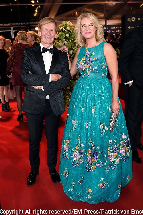 Gouden Televizier-Ring Gala 2017 in AFAS live, Amsterdam<br />  <br /> Op de Foto:  Pernille La Lau met Addy van den Krommenacker