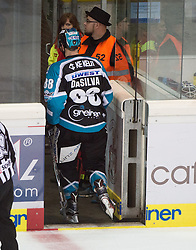 09.10.2015, Keine Sorgen Eisarena, Linz, AUT, EBEL, EHC Liwest Black Wings Linz vs Dornbirner Eishockey Club, 9. Runde, im Bild Dan DaSilva (EHC Liwest Black Wings Linz) verlässt das Eis // during the Erste Bank Icehockey League 9th round match between EHC Liwest Black Wings Linz and Dornbirner Eishockey Club at the Keine Sorgen Icearena, Linz, Austria on 2015/10/09. EXPA Pictures © 2015, PhotoCredit: EXPA/ Reinhard Eisenbauer