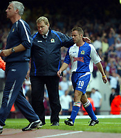 Fotball<br /> England 2005/2006<br /> Foto: SBI/Digitalsport<br /> NORWAY ONLY<br /> <br /> West Ham Utd v Blackburn Rovers<br /> Barclaycard Premiership.<br /> 13/08/2005.<br /> Paul Dickov is escorted from the pitch after being sent off