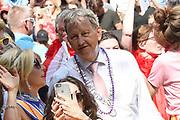 Euro Gay Pride - Canal Parade 2016 - in de grachten van Amsterdam<br /> <br /> Euro Gay Pride - Canal Parade 2016 - in the canals of Amsterdam<br /> <br /> Op de foto / On the photo:  Burgemeester van Amsterdam Eberhard van der Laan