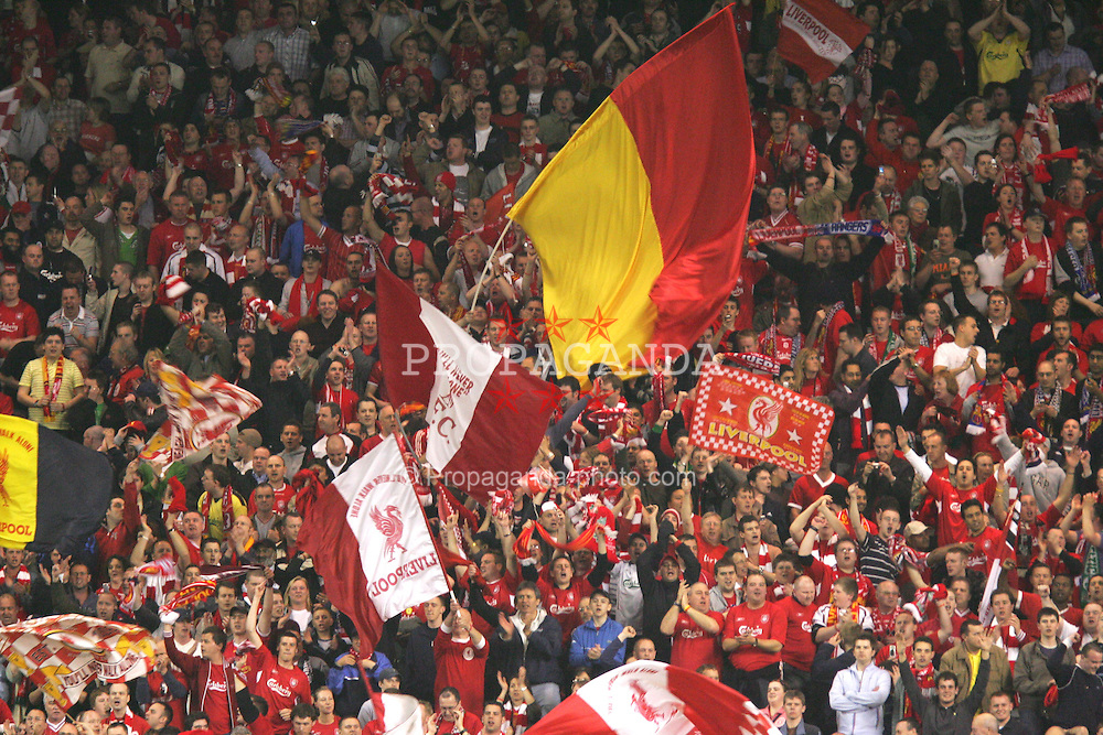 LIVERPOOL, ENGLAND. TUESDAY, MAY 3rd, 2005: Liverpool fans celebrate reaching the UEFA Champions League Final, their sixth, after beating Chelsea 1-0 at Anfield. (Pic by David Rawcliffe/Propaganda)