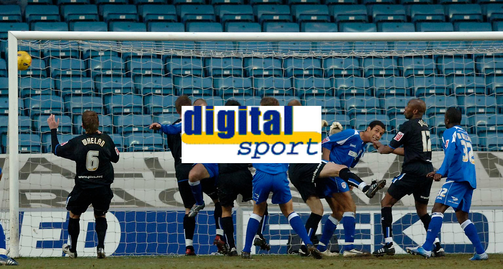 Photo: Daniel Hambury.<br />Millwall v Sheffield Wednesday. Coca Cola Championship. 04/02/2006.<br />Millwall's players 'score'. The effort was ruled out.
