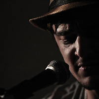 Carl Martin performing live at Gullivers, Manchester, 2012-02-25