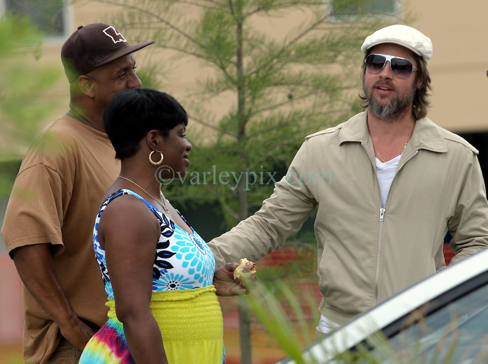 31 May 2010. New Orleans, Louisiana, USA.  <br /> Brad Pitt and Lower ninth ward residents on the set of Spike Lee's latest movie,  'If God is Willing and the Creek Don't Rise.'<br /> Photo; Charlie Varley.
