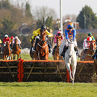 Oscar Hoof and Barry Geraghty winning the 4.05 race