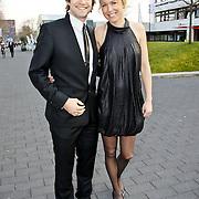 NLD/Hilversum/20100322 -  Inloop schaatser van het jaar verkiezing, Mark Tuitert en partner Helen van Goozen