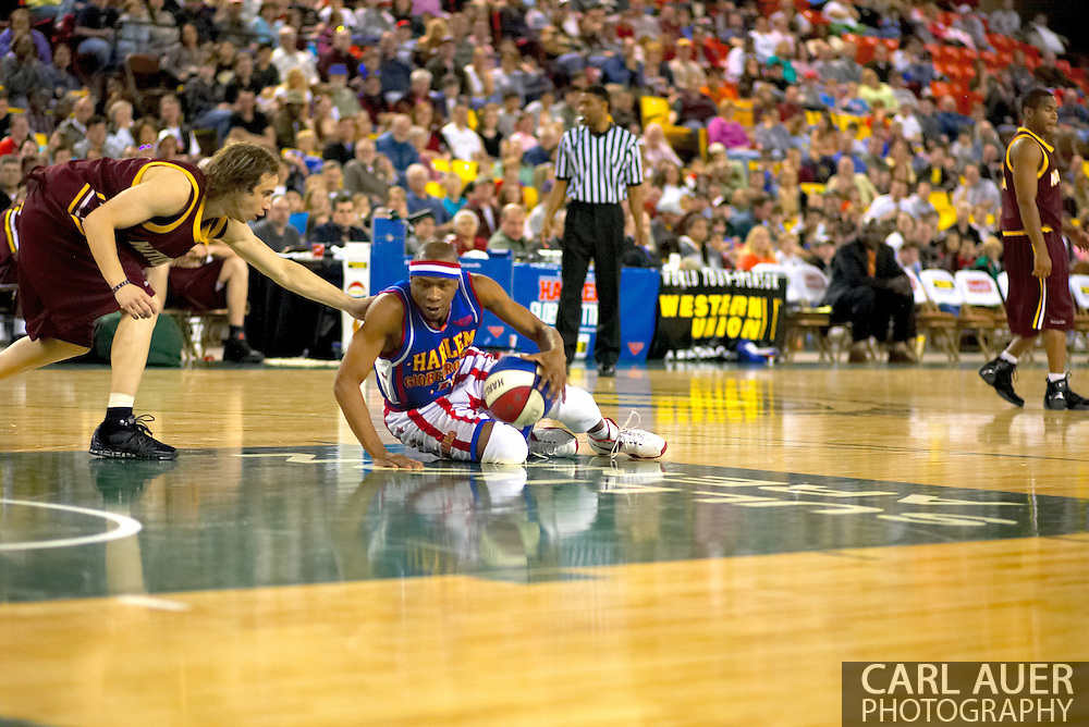 04 May 2006: Keiron 'Sweet P' Shine shows off his ball handling during the Harlem Globetrotters vs the New York Nationals at the Sulivan Arena in Anchorage Alaska during their 80th Anniversary World Tour.  This is the first time in 10 years that the Trotters have visited Alaska.