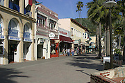 Crescent Street Pedestrian Mall at Avalon Bay Catalina Islanda