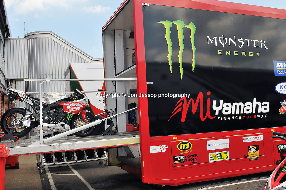 Set up Day and Monster Energy Fan's Thursday