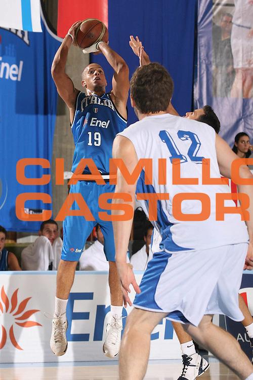 DESCRIZIONE : Bormio Torneo Internazionale Maschile Diego Gianatti Italia Israele<br /> GIOCATORE : Daniel Hackett<br /> SQUADRA : Nazionale Italia Uomini Italy <br /> EVENTO : Raduno Collegiale Nazionale Maschile <br /> GARA : Italia Israele Italy Israel<br /> DATA : 01/08/2008 <br /> CATEGORIA : tiro <br /> SPORT : Pallacanestro <br /> AUTORE : Agenzia Ciamillo-Castoria/M.Marchi<br /> Galleria : Fip Nazionali 2008 <br /> Fotonotizia : Bormio Torneo Internazionale Maschile Diego Gianatti Italia Israele<br /> Predefinita :